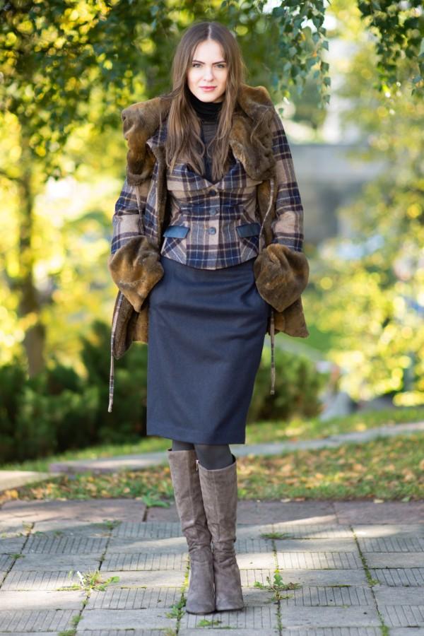 Baklažano spalvos sijonas